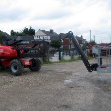 manitou cherry picker hire